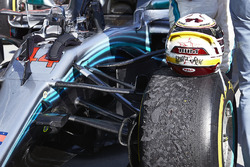 The helmet of Lewis Hamilton, Mercedes AMG F1 W09, 1st position, on his car in Parc Ferme