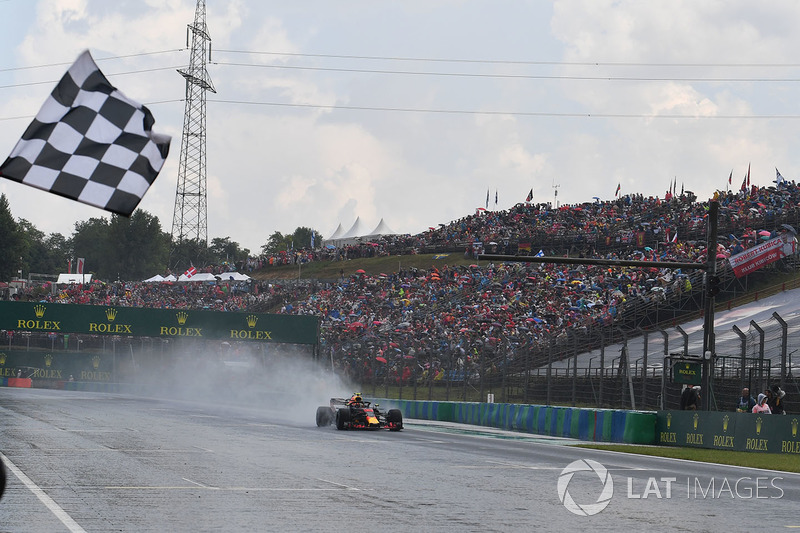 Max Verstappen, Red Bull Racing RB14 takes the chequered flag