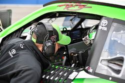 Kyle Busch, Joe Gibbs Racing, Toyota Camry Interstate Batteries Adam Stevens