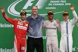 Podium: race winner Lewis Hamilton, Mercedes AMG F1, Sebastian Vettel, Ferrari, Evan Short, Mercedes AMG F1, third place Valtteri Bottas, Williams