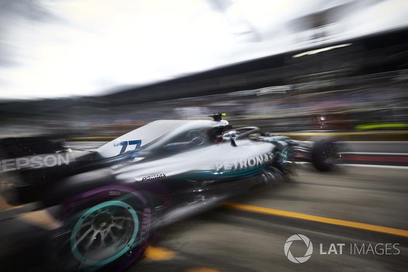 Valtteri Bottas, Mercedes AMG F1 W09, leaves the garage