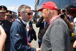Niki Lauda, presidente no ejecutivo de Mercedes AMG F1 y Herbert Kickl, ministro del Interior de Austria