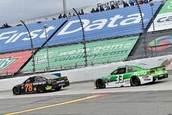 Мартин Труэкс-мл., Furniture Row Racing Toyota и Джеффри Эрнхардт, The Motorsports Group Chevrolet