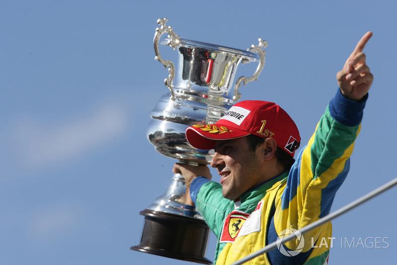 "Galvão Bueno: ""Felipe! Felipe! Felipe Massa é do Brasil!"