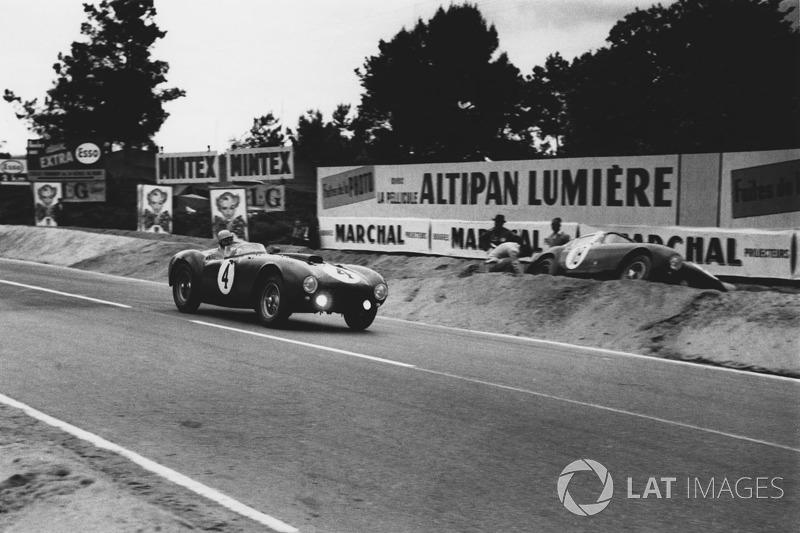 Jose Froilan Gonzalez, Maurice Trintignant, Ferrari 375 Plus; Innocente Baggio. Ferrari 375 MM Berli