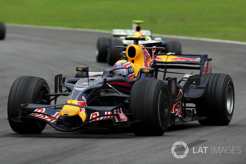 2008 : Red Bull RB4, motor Renault