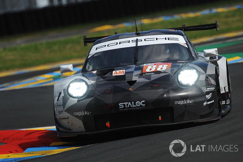 44. Халед Аль-Кубайси, Джорджо Рода, Маттео Кайроли, Dempsey-Proton Racing, Porsche 911 RSR (№88)