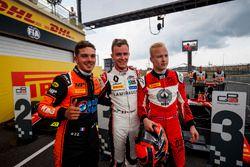 Il vincitore della gara Dorian Boccolacci, MP Motorsport, il secondo classificato Anthoine Hubert, ART Grand Prix, il terzo classificato Nikita Mazepin, ART Grand Prix