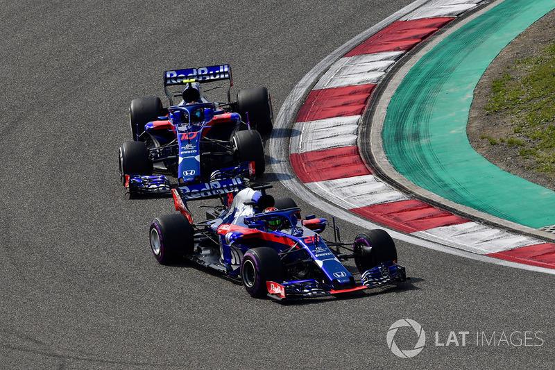 Brendon Hartley, Scuderia Toro Rosso STR13 y Pierre Gasly, Scuderia Toro Rosso STR13