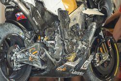 La moto de Karel Abraham, Angel Nieto Team, après sa chute