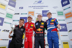 Podium: Race winner Dan Ticktum, Motopark Dallara F317 - Volkswagen, second place Guanyu Zhou, PREMA