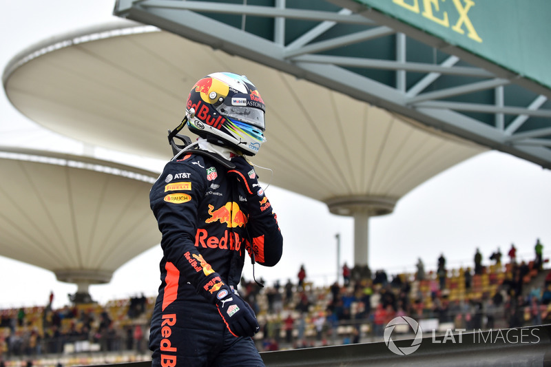 Daniel Ricciardo, Red Bull Racing detenido en pista