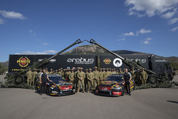 Anton De Pasquale, Erebus Motorsport Holden, David Reynolds, Erebus Motorsport Holden at Lavarak Barracks