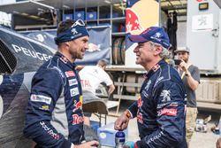 Гонщики Peugeot Sport Сириль Депре и Карлос Сайнс