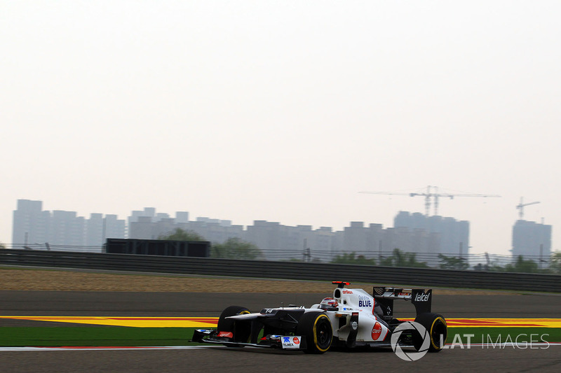 Машина Sauber в том году позволяла творить чудеса, чем и воспользовался Кобаяши – ему предстояло стартовать третьим