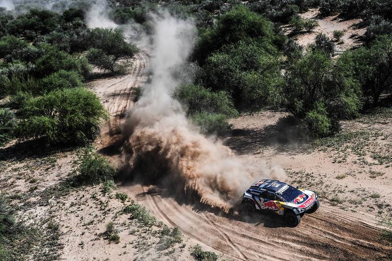 Etapa 13: Sainz roza con los dedos el Dakar y Peterhansel se hunde