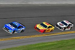 Ricky Stenhouse Jr., Roush Fenway Racing Ford Fusion, Joey Logano, Team Penske Ford Fusion, Kevin Ha