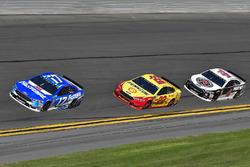 Ricky Stenhouse Jr., Roush Fenway Racing Ford Fusion, Joey Logano, Team Penske Ford Fusion, Kevin Ha