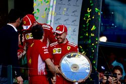 Sebastian Vettel, Ferrari y Kimi Raikkonen, Ferrari, Mark Webber