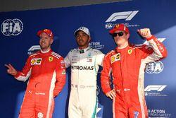Sebastian Vettel, Ferrari, el hombre de la pole, Lewis Hamilton, Mercedes-AMG F1 y Kimi Raikkonen, Ferrari