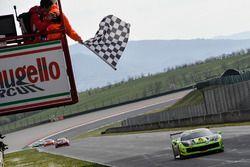 Erich Prinoth, Ineco-MP Racing, prende la bandiera a scacchi