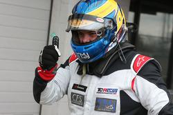Tercer lugar Oliver Taylor, Pyro Honda