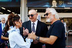 Presidente de Azerbaiyán, Ilham Aliyev y la primera dama, Mehriban Aliyeva, Flavio Briatore