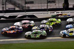 Denny Hamlin, Joe Gibbs Racing Toyota, Erik Jones, Furniture Row Racing Toyota, Kyle Busch, Joe Gibb