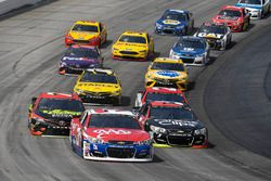 Austin Dillon, Richard Childress Racing Chevrolet, Kasey Kahne, Hendrick Motorsports Chevrolet, Erik