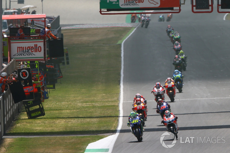 Valentino Rossi boucle le premier tour en tête