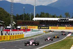 Sergio Pérez, Sahara Force India F1 VJM10, Esteban Ocon, Sahara Force India F1 VJM10, Nico Hulkenber