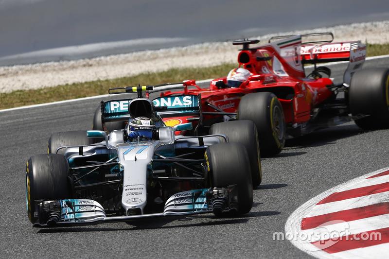 Bottas teve seu peso na vitória de Hamilton em Barcelona. O finlandês segurou Vettel atrás de si após o pitstop do alemão, o que fez com que Hamilton ganhasse tempo.