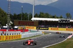 Sebastian Vettel, Ferrari SF70H; Lewis Hamilton, Mercedes AMG F1 W08; Valtteri Bottas, Mercedes AMG F1 W08; Daniel Ricciardo, Red Bull Racing RB13