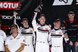 Podium 12 uur van Sepang: tweede plaats voor de #911 Manthey Racing Porsche 911 GT3 R: Earl Bamber,