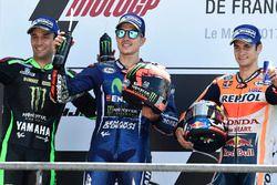 Podium: le vainqueur Maverick Viñales, Yamaha Factory Racing, deuxième place Johann Zarco, Monster Yamaha Tech 3, troisième place Dani Pedrosa, Repsol Honda Team