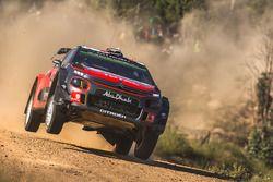 После аварии: Стефан Лефевр и Габен Моро, Citroën C3 WRC, Citroën World Rally Team