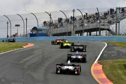 Graham Rahal, Rahal Letterman Lanigan Racing Honda, Carlos Munoz, A.J. Foyt Enterprises Chevrolet