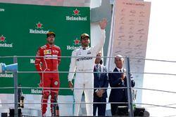 Podium: Sieger Lewis Hamilton, Mercedes AMG F1, 3. Sebastian Vettel, Ferrari
