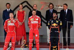 Podium: 1. Sebastian Vettel, Ferrari; 2. Kimi Räikkönen, Ferrari; 3. Daniel Ricciardo, Red Bull Racing, mit Riccardo Adami, Ferrari, Renningenieur