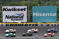 Denny Hamlin, Joe Gibbs Racing Toyota and Kevin Harvick, Stewart-Haas Racing Ford