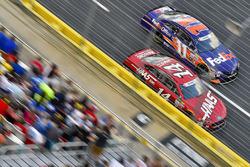 Clint Bowyer, Stewart-Haas Racing, Ford; Denny Hamlin, Joe Gibbs Racing, Toyota