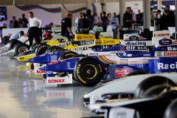 صف من سيارات ويليامز للفورمولا واحد