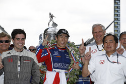 Winner Takuma Sato, Andretti Autosport Honda with Art St Cyr and HPD Honda team