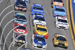 Ryan Newman, Richard Childress Racing Chevrolet, Dale Earnhardt Jr., Hendrick Motorsports Chevrolet and Matt Kenseth, Joe Gibbs Racing Toyota