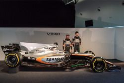 (L to R): Sergio Perez, Sahara Force India F1 and team mate Esteban Ocon, Sahara Force India F1 Team
