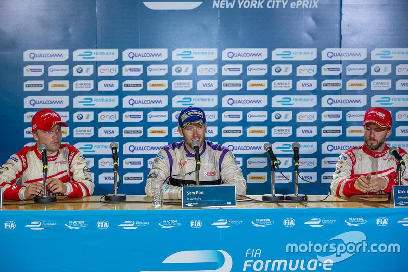 Conferencia de prensa: ganador Sam Bird, DS Virgin Racing, segundo lugar Felix Rosenqvist, Mahindra Racing, tercer lugar Nick Heidfeld, Mahindra Racing