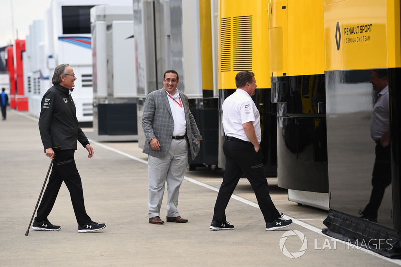 Mansour Ojjeh, TAG, Sheikh Mohammed bin Essa Al Khalifa, CEO of the Bahrain Economic Development Board and McLaren Shareholder and Zak Brown, McLaren Executive Director