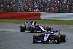 Даниил Квят и Карлос Сайнс-мл., Scuderia Toro Rosso STR12