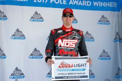 Обладатель поул-позиции Кайл Буш, Joe Gibbs Racing Toyota