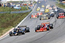 Mario Andretti, Lotus 79 Ford, leads Niki Lauda, Brabham BT46B Alfa Romeo, Riccardo Patrese, Arrows